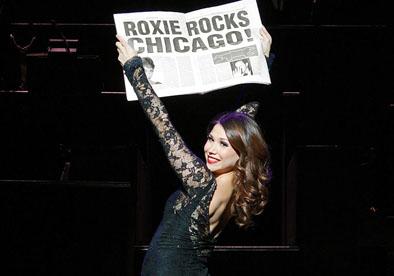 Bianca Marroquin dans le rôle de la joyeuse criminelle Roxie Hart. Photo © Jeremy Daniel.